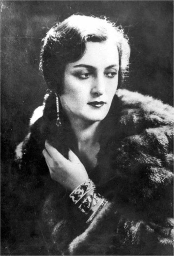 МАРИЯ ЭРИСТОВА (Mariya Eristova)