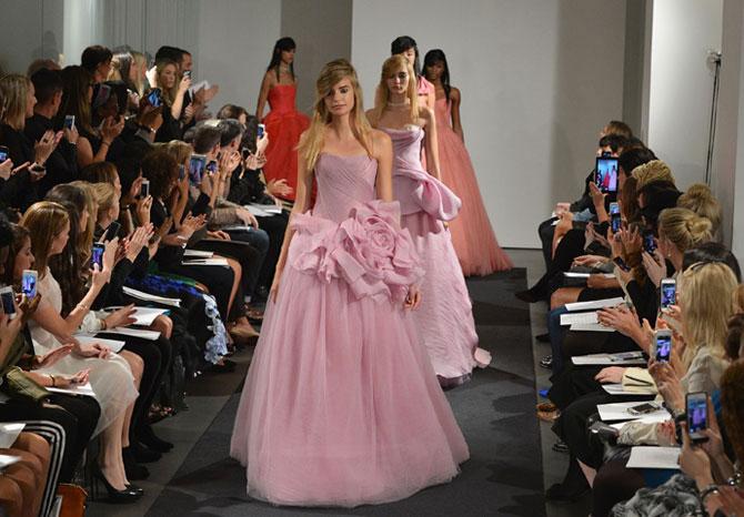 розовое свадебное платье фото 1