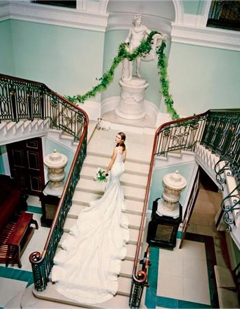 Самые красивые свадебные платья по версии «Vogue Weddings»