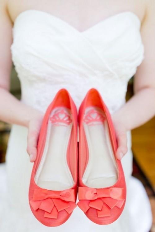 красные свадебные балетки