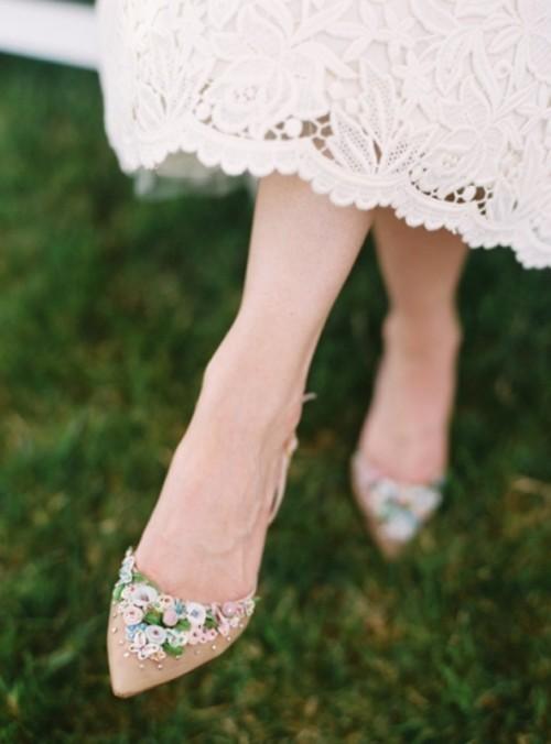 бежевые свадебные балетки с цветами