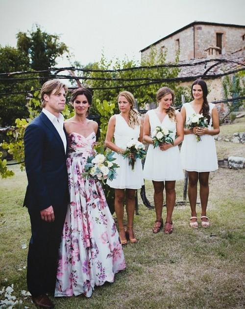 свадебное платье с розовыми цветами