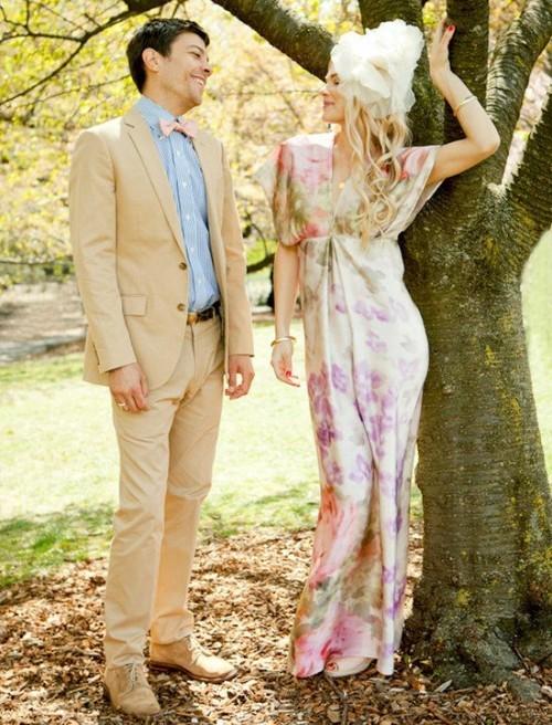 сиреневое свадебное платье с цветами