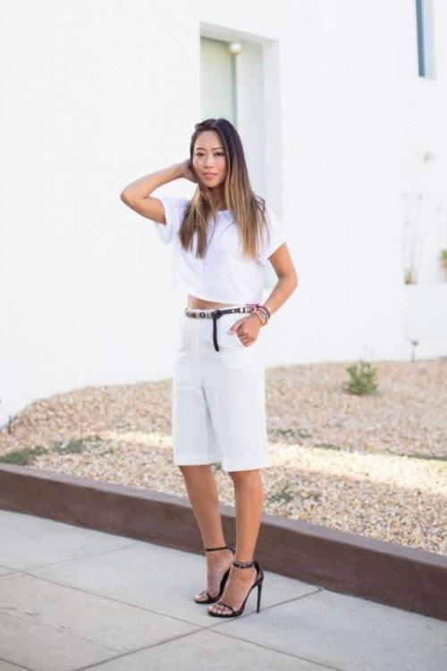 черные бриджи с летней белой рубашкой