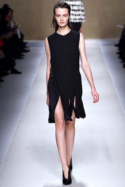 черный цвет в одежде: коллекция Blumarine