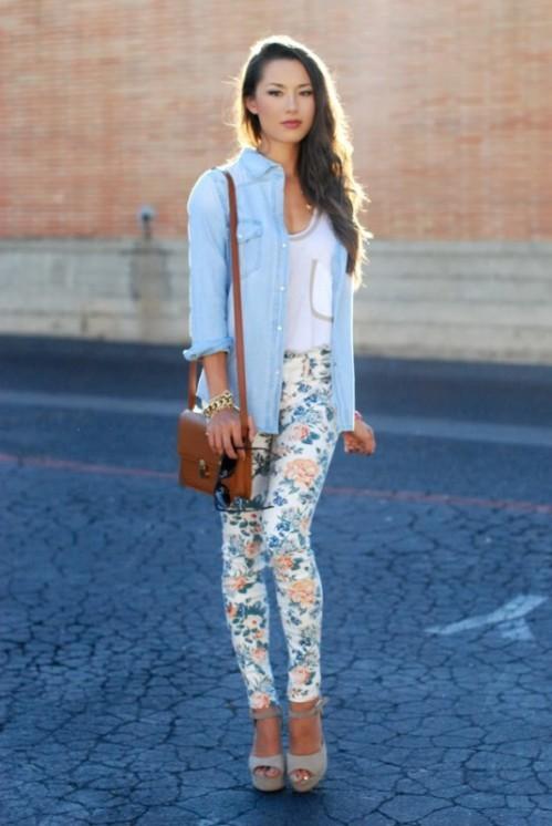 брюки с джинсовой рубашкой