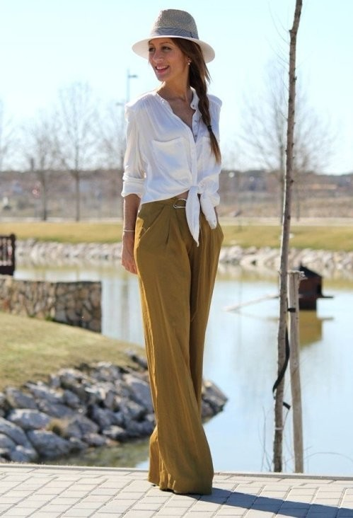 бежевые брюки с завышенной талией