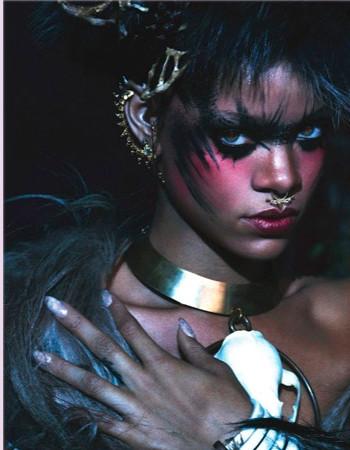 Меховой шик от Рианны: Isabel Marant,  McQueen, Michael Kors