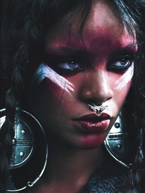 Рианна в шубах Isabel Marant,  McQueen, Michael Kors фото 3