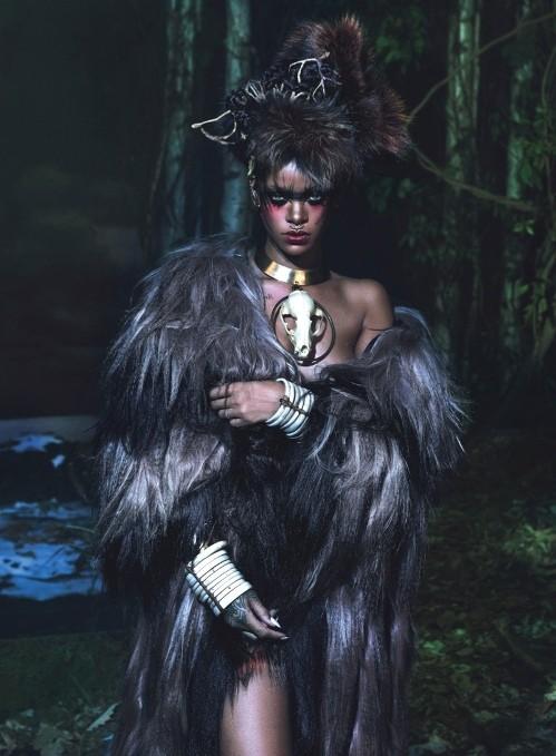 Рианна в шубах Isabel Marant,  McQueen, Michael Kors фото 4