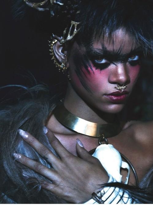 Рианна в шубах Isabel Marant,  McQueen, Michael Kors фото 5