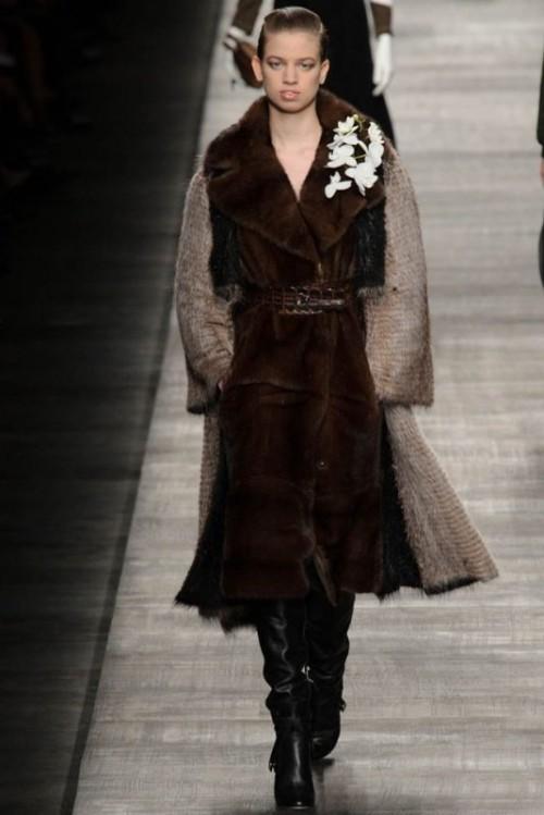 Fendi одежда осень зима 2017-2018 фото 3