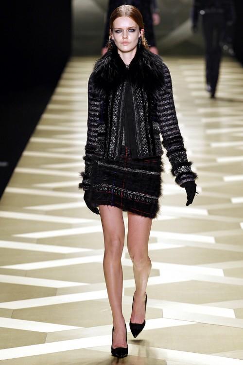 черный цвет в одежде Roberto Cavalli фото 2