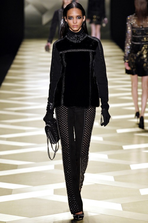 черный цвет в одежде Roberto Cavalli