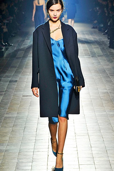 сочетание синего цвета в одежде Lanvin фото 2