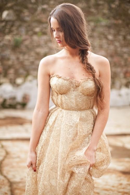 воздушное золотое свадебное платье