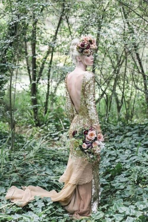 золотое свадебное платье ретро