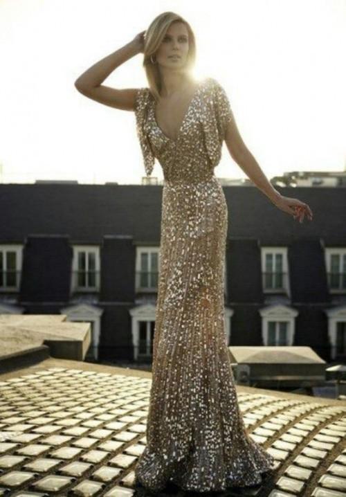 струящееся золотое свадебное платье