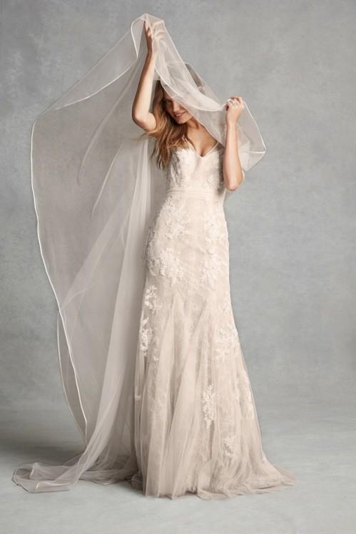 Monique Lhuillier свадебное платье фото 10