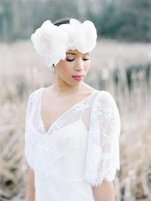 Свадебная прическа с цветком фото 4
