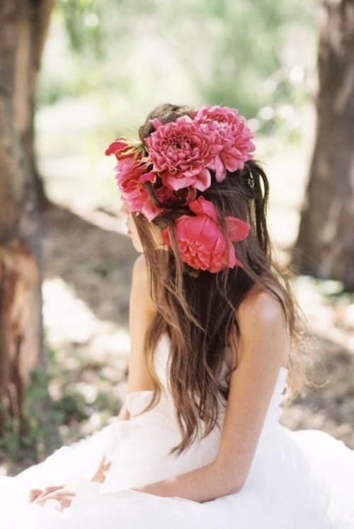Свадебная прическа с цветком фото 14