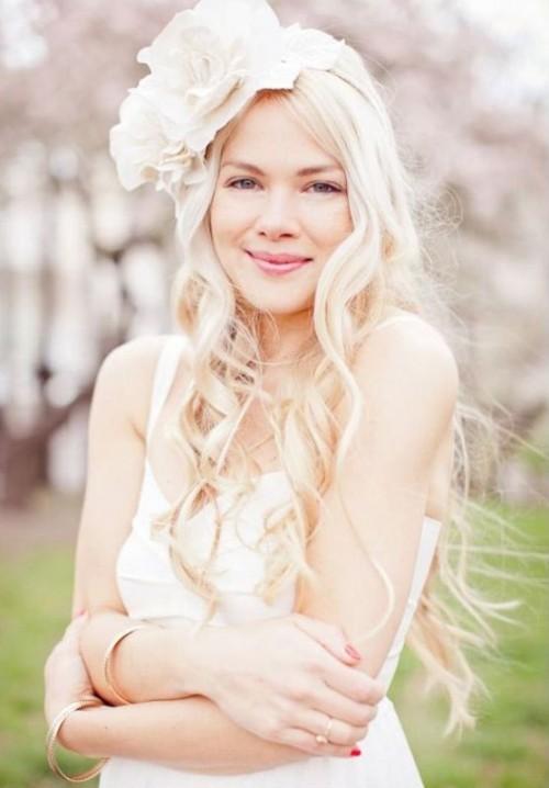 Свадебная прическа с цветком фото 24