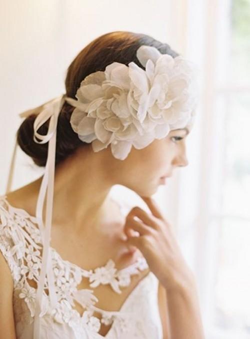 Свадебная прическа с цветком фото 23