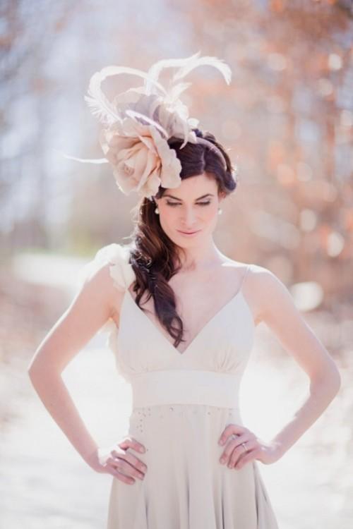 Свадебная прическа с цветком фото 11