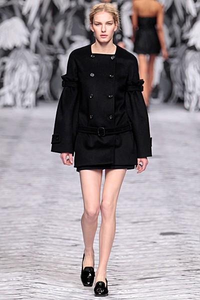 черный цвет в одежде коллекция Victor&Rolf фото 3
