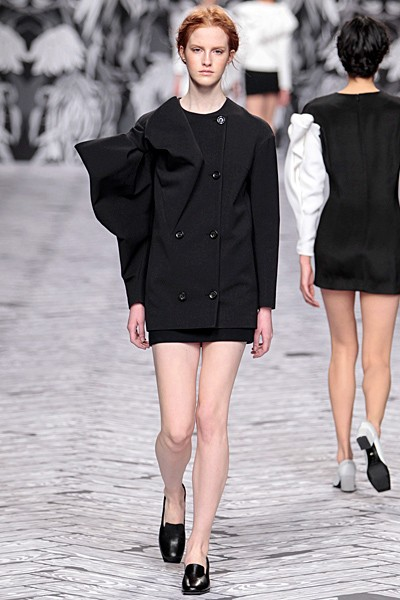 черный цвет в одежде коллекция Victor&Rolf фото 12