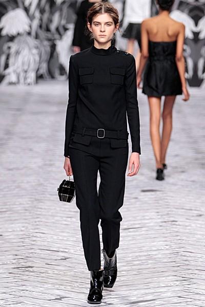 черный цвет в одежде коллекция Victor&Rolf фото 1