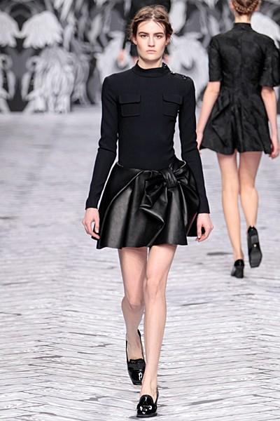 черный цвет в одежде коллекция Victor&Rolf фото 7