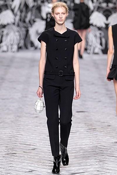 черный цвет в одежде коллекция Victor&Rolf фото 9