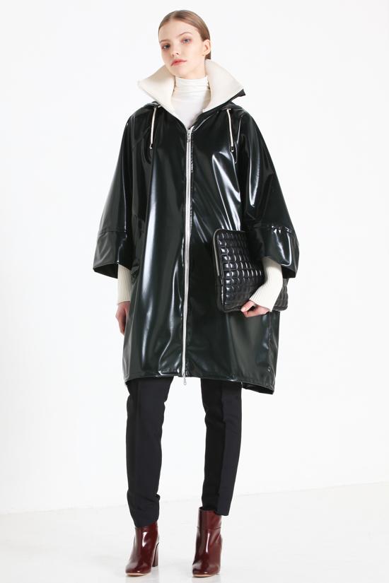 модный плащ дождевик