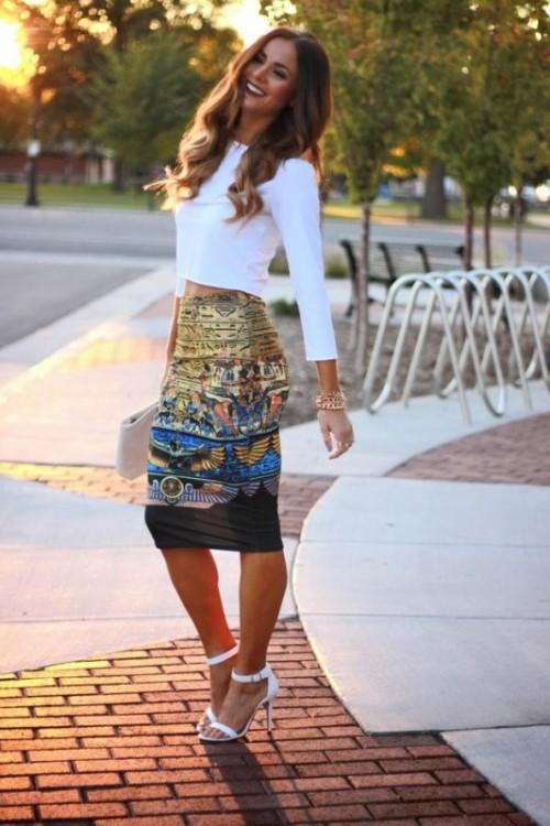 цветная юбка карандаш с белым топом