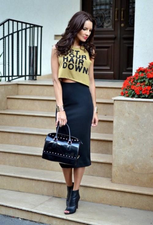 черная юбка карандаш с короткой майкой