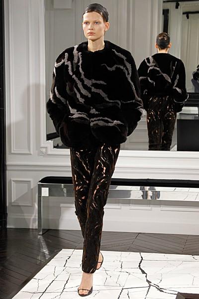 меховое пальто Balenciaga