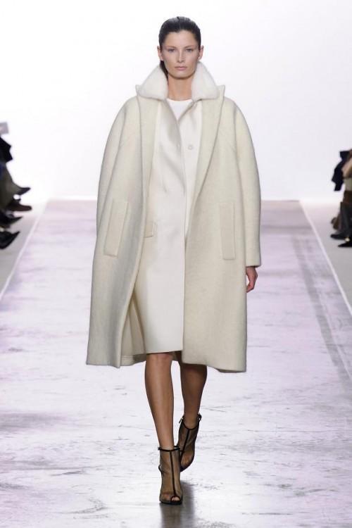 белое пальто Giambattista Valli