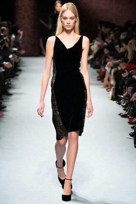 коктейльное черное бархатное платье