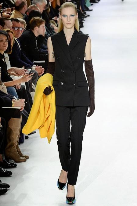 черный женский брючный костюм