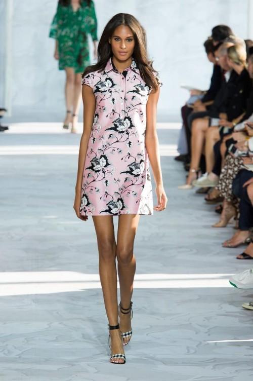 розовое платье с принтом: Диана фон Фюрстенберг