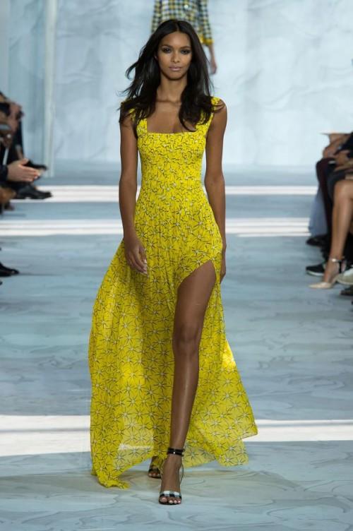 Диана фон Фюрстенберг : желтое летнее платье в пол