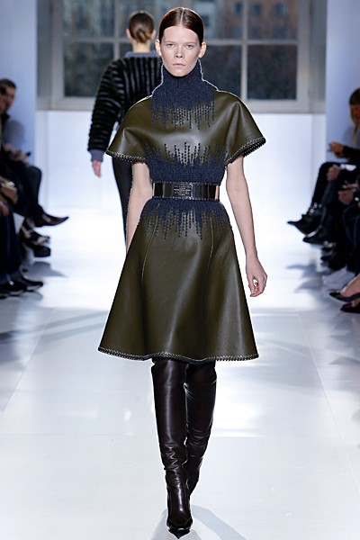 кожаное платье-водолазка