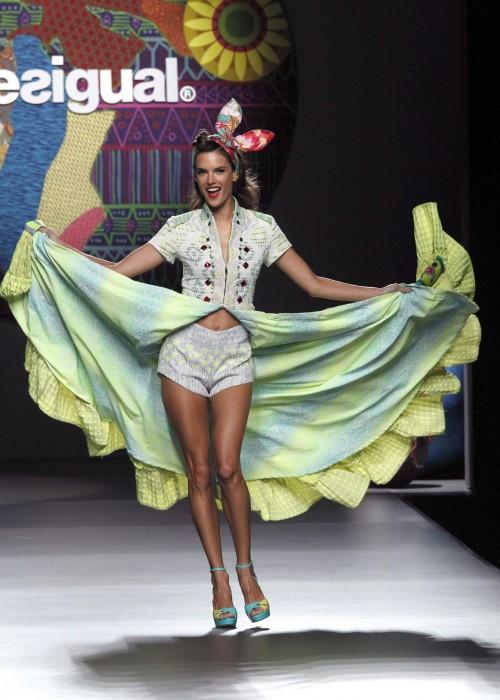 мода лето 2018 - коллекция Desigual фото 9