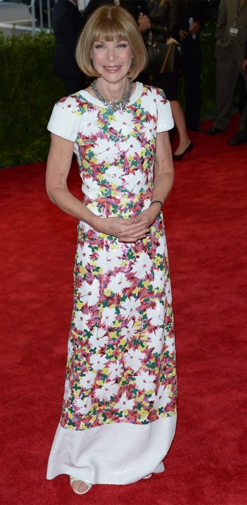 Анна Винтур в цветастом платье