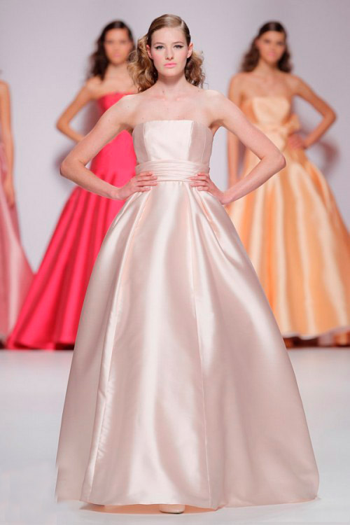 светло розовое свадебное платье Cymbeline