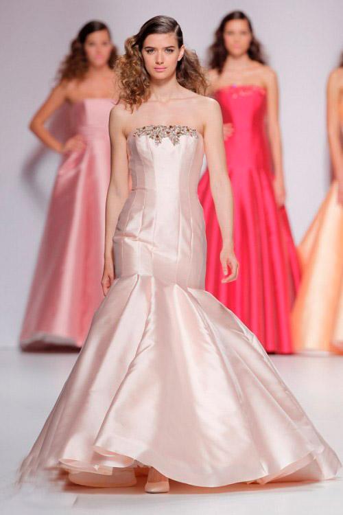 розовое со стразами свадебное платье Cymbeline