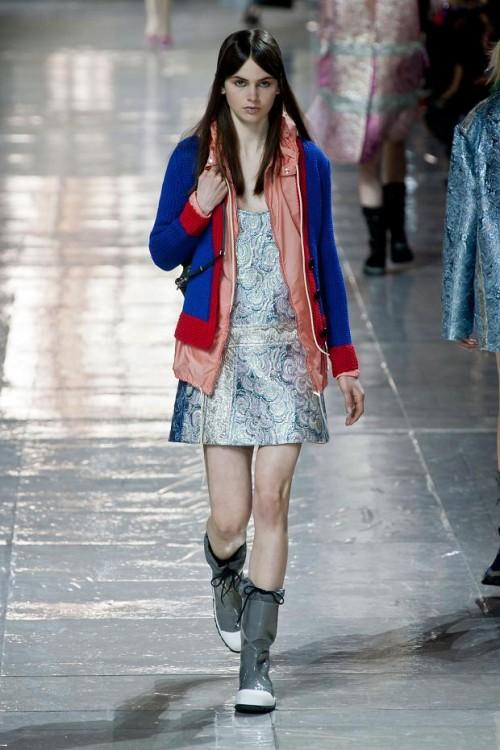 яркий кардиган и платье: ретро стиль в одежде