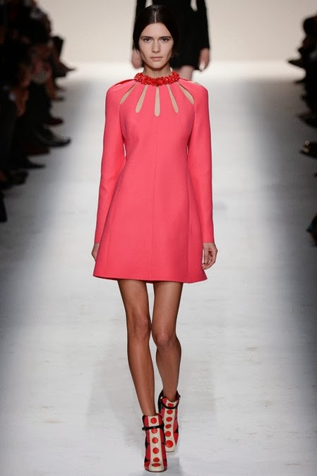 розовое платье: стиль 60-х в одежде