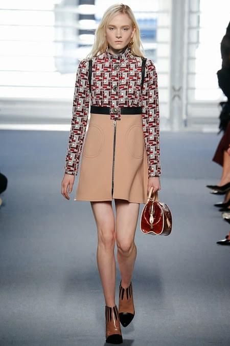 ретро стиль в одежде: комбинированное платье с длинным рукавом